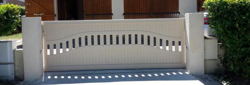 crit res pour choisir un portail en aluminium. Black Bedroom Furniture Sets. Home Design Ideas